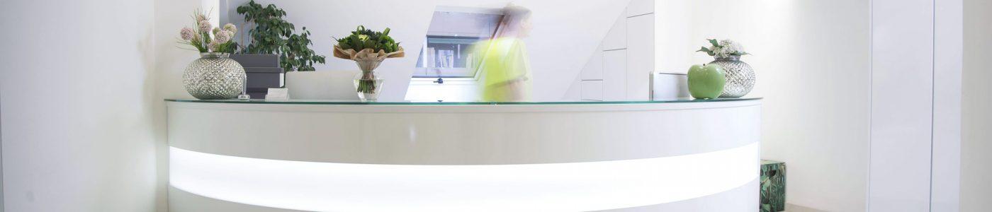 Herzlich Willkommen in der Zahnarztpraxis  Dr. Annette Wagner Dr. Torsten Siepenkothen MSc